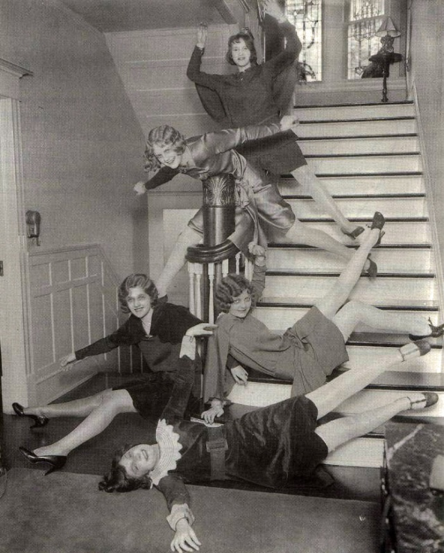 1920's girls having fun on stairs via retronaut
